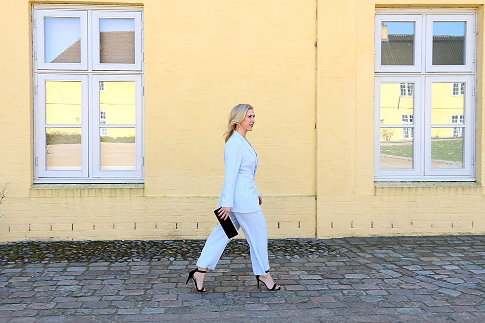 Business Outfit Hosenanzug modern Relana Dombetzki ALDO Magazin