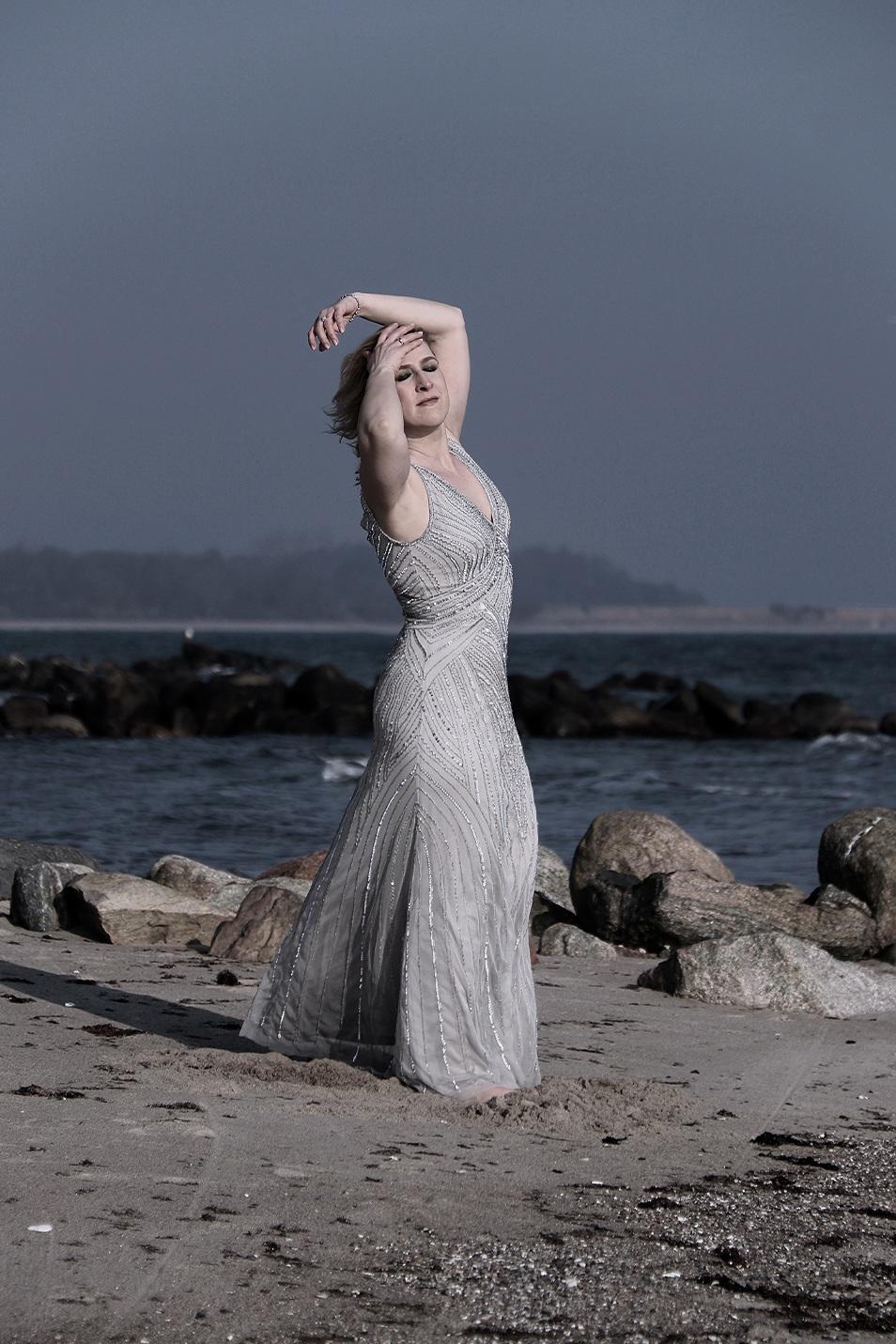Silvester Outfit Abendkleid Relana Dombetzki ALDO Magazin